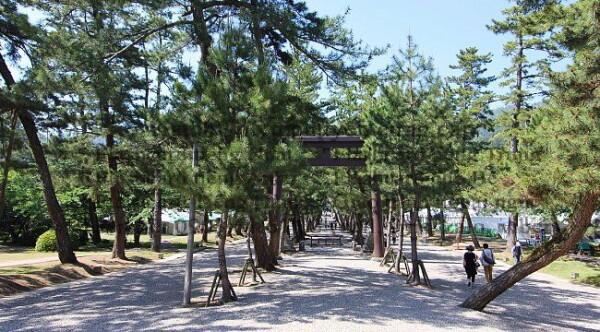 Lối vào khu đền